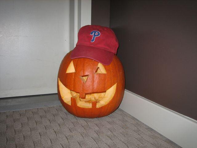 2009-10-27-Davis'sFirstPumpkin - 7
